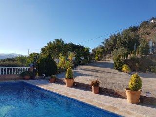 Casa Estrella, a mountain villa with spectacular views and pool - CR/MA/01459