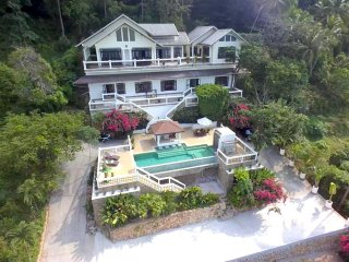 Jungle Emerald Rock Villa, Koh Samui, 5 bedrooms, 10 - 14 persons