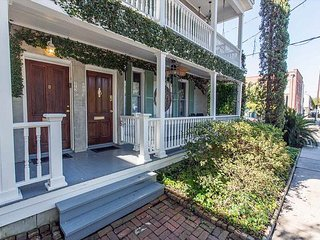 Stay Local in Savannah: 2 bedrooms plus private living area with murphy bed