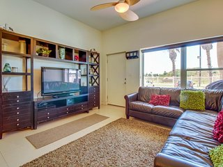 Lovely condo w/ patio, gas grill, & shared pool/hot tub access!