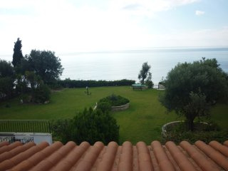 R120 Luxurious Villa with Marvelous sea view.