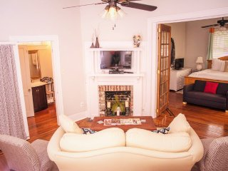 Huge Historic Downtown House - great for groups!! Come enjoy Charleston