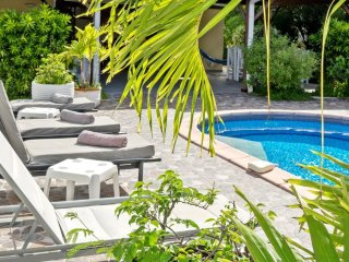 LA SOURCE VILLA... Charming, affordable family villa by great beach!