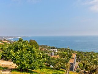Oceanview escape with prime location close to iconic Malibu beaches