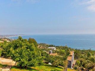 Oceanview escape with prime location close to iconic Malibu beaches