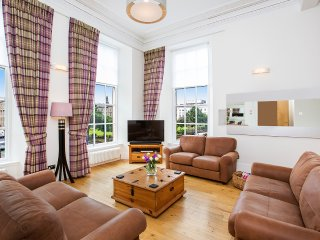 Blythswood Square Apartments- Luxury 4 Bedroom Apartment in Blythswood Square