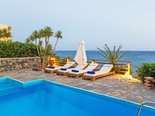Waterfront villa,Near the beach at South Rethymno, Swimming Pool,Car recommended