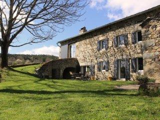 Ferme authentique  - Le Puy en Velay - Haute Loire - Foret du Meygal - Mezenc
