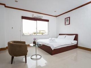 Deluxe room Queen/Twin bed