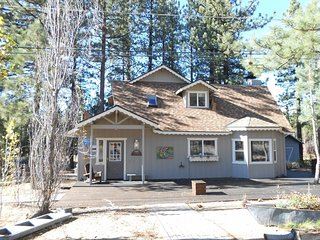 3937A- Tahoe Meadows cabin, walk to beach