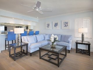 Recently Renovated 10th Floor Condo With Striking Panoramic Gulf Views!