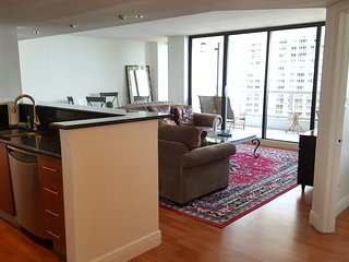 3340 2-bedroom condo with amazing views- FREE PARKING ! NO SECURITY DEPOSIT