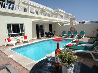 Great 4 bed Villa with wifi in Costa Teguise LVC211964