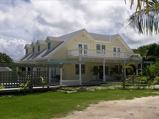 Yellow House, Hilltop Home near Town and Beach w/Ocean Views, Pool, Golf Cart
