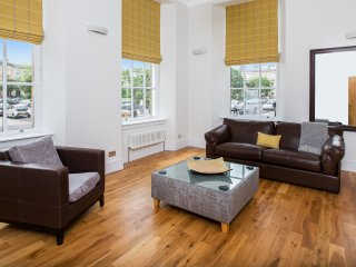 Blythswood Square Apartments - Luxury 3 bedroom Apartment - City Centre