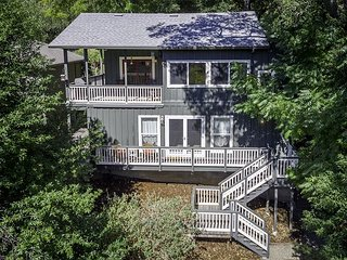 Charming, Two-Story, Modernized Vintage Cottage w/ beautiful river views