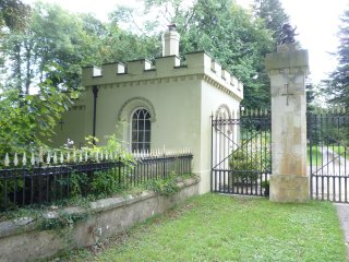 2235 West Lodge Gatehouse