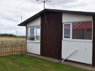 BAE View - 2 bed chalet with sea view