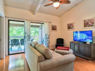 Pohailani 243 - lovely second-floor condo w/ two resort pools, close to beach!