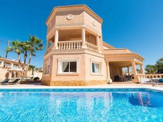 Villa Adoracion