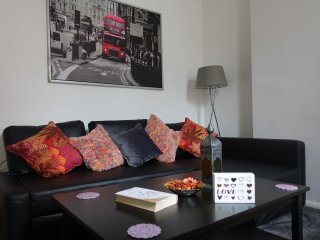 5*location 1st floor 2/3 bed flat nr Hyde Park W2 close to tube stations&NETFLIX