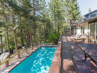 Deer Lodge Villa: Private Pool & Hot Tub