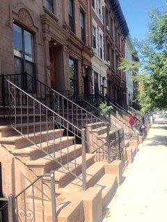 Harlem,Morningside Heights Brwnstone,8 min Central Park, 22 min to Time Square!