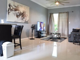 Jamaica Vacation Rentals - 1 bedroom, modern and Spacious, Kingston Home