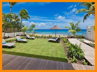 Reeds Bay 4 - Stylish villa with direct beach access, plunge pool and gardens