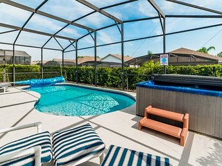 8157FPW. Luxury 4 Bedroom 3 Bath Pool Home in Windsor Palms Resort