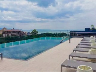 Amazing view high floor close to beach