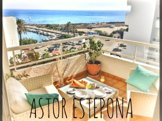 Astor Estepona: Lux 2BD, Frontline Marina, Pool, WiFi, Private Parking