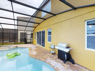 ACO PREMIUM - 6 BD with pool and Spa ( 1723)