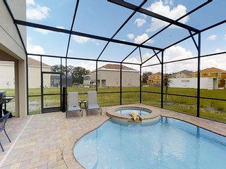 ACO Premium - 7 Bd with south facing pool (1722)