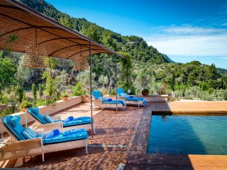Finca Can Miquelet - Private villa with fantastic view of the mountains and sea