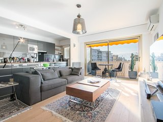 Very nice renovated apartment in the center of Cannes