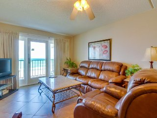 Dog-friendly, waterfront condo w/ shared hot tub, shared pool, & beach access