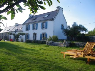 Tastefully Renovated Big Historic Farm at the Atlantic Shore - Point du Raz