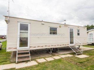 6 Berth Caravan in St Osyth Holiday Park. Clacton-on-Sea. Ref: 28079