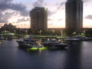 Yacht Club-Amazing Penthouse Water View