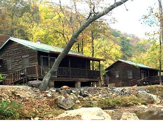 1*FLASH SALE* 10% OFF Riverfront cabin overlooking the trout stocked river!