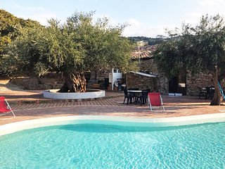 Villa Ale, beautiful typical villa with private pool