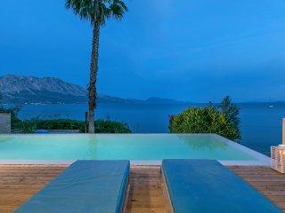 Villa Madouri. Luxury seafront villa with pool.
