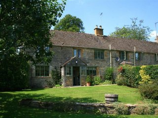 3 Church Cottages located on beautiful Country Estate within the Cotswolds