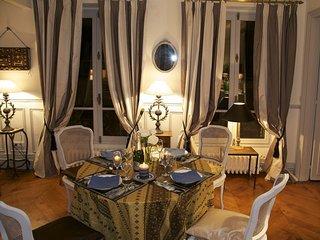 Appartement de grand standing 85 m² proche Arc de triomphe & Ave. Champs Elysées