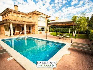 Catalunya Casas: Amazing villa for 9 guests in Tarragona, situated on a golf