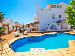 Catalunya Casas: Amazing dream-house in Cunit, Costa Dorada, only 700m to the