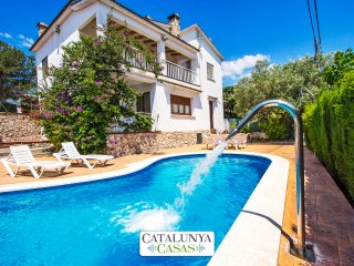 Catalunya Casas: Villa Cal Vives for 12 guests, only 6km to the beaches of