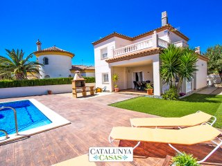 Catalunya Casas: Incredible villa for 6 guests in Miami Platja, 1.5km to the bea
