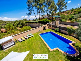 Five-bedroom villa in Can Vinyals, in the hills between Barcelona and Girona